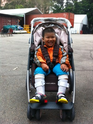 HongKong_child_in_wagon