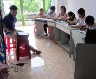 Vietnam_students_in_school