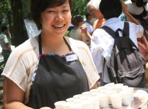恆常捐獻 / https://www.crossroads.org.hk/wp-content/uploads/2014/06/Watermelon-Festival-2012-121.jpg