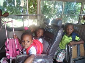 Donated van drives Zambian kids to school / https://www.crossroads.org.hk/wp-content/uploads/2017/01/zambiabus6.jpg